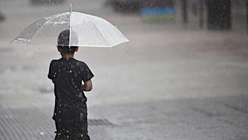 Domingo lluvioso y con descenso de la temperatura