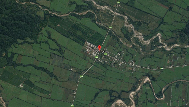 El punto rojo señala la localidad de Las Sosas. Cerca de la ruta que atraviesa a esta localidad encontraron el cuerpo sin vida de la mujer. (Captura de pantalla de Google Maps)