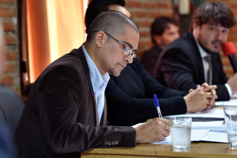 PUJA. Albornoz Piossek dice que no entregará las carpetas a los oficialistas. la gaceta / FOTO DE Inés Quinteros Orio (archivo)