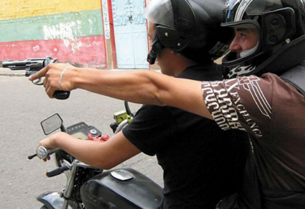 Ya rige la ley con la que se busca cercar a los motochorros