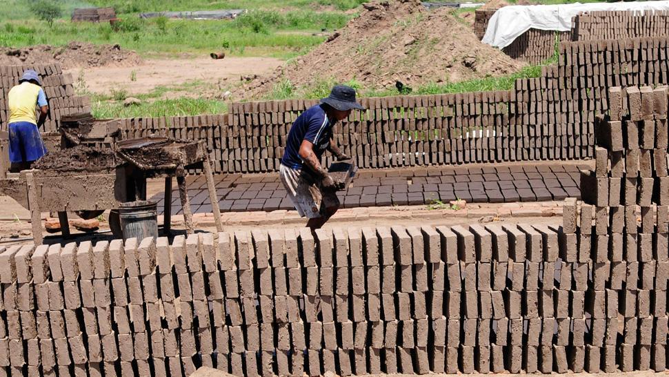 Sigue siendo alto el empleo en negro en el Gran Tucumán