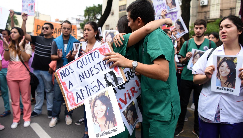 NOS QUITÓ A NUESTRA AMIGA. Los compañeros de Ana realizaron varias marchas pidiendo justicia. LA GACETA / ANALÍA JARAMILLO