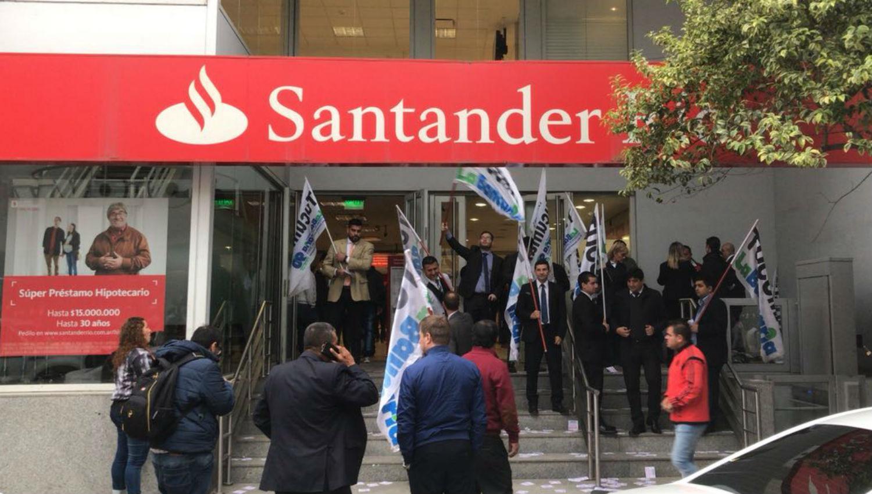Por un paro no hay atenci n al p blico en las sucursales for Sucursales banco santander valladolid