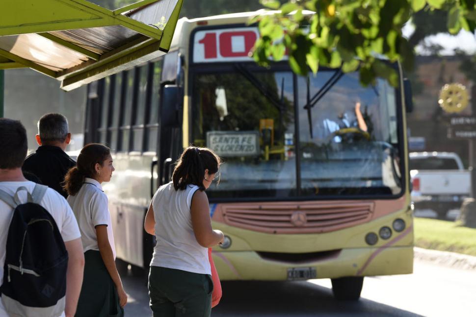 El Concejo capitalino puja para que el Boleto Universitario rija en agosto