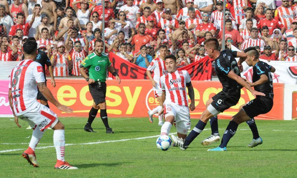 San Martín goleó, llegó a la punta y le metió presión a Aldosivi y a Almagro