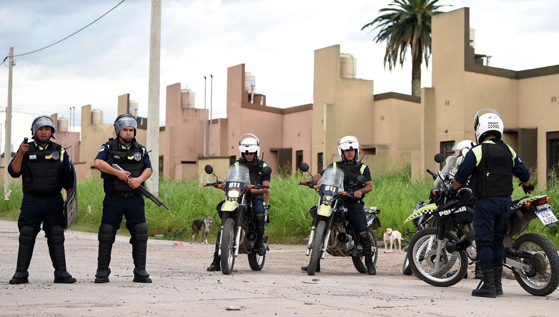 Díaz explicó que la medida abarcará a todos los miembros de la Policía. ARCHIVO