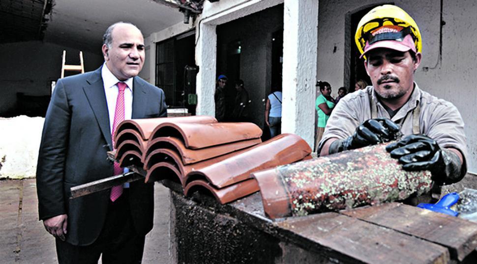 Manzur sostiene que no puede reducir los impuestos