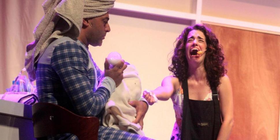 PROBLEMAS POR VENIR. Presta y García conforman una pareja con dudas en la obra que dirige Diego Reinhold. Teatro Oriente.