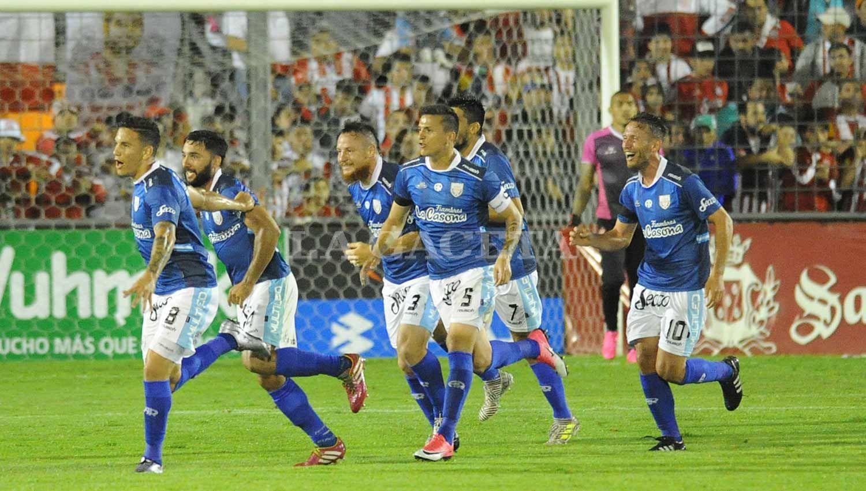 UN CANDIDATO. Atlético Rafaela, que venció en La Ciudadela, lideró el torneo y se cayó en las últimas cinco fechas. ARCHIVO LA GACETA
