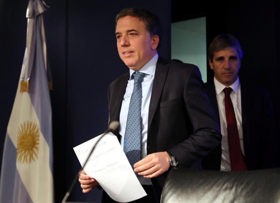 Dujovne, sobre la ayuda pedida al FMI: 'es la mejor manera de proteger a la sociedad'