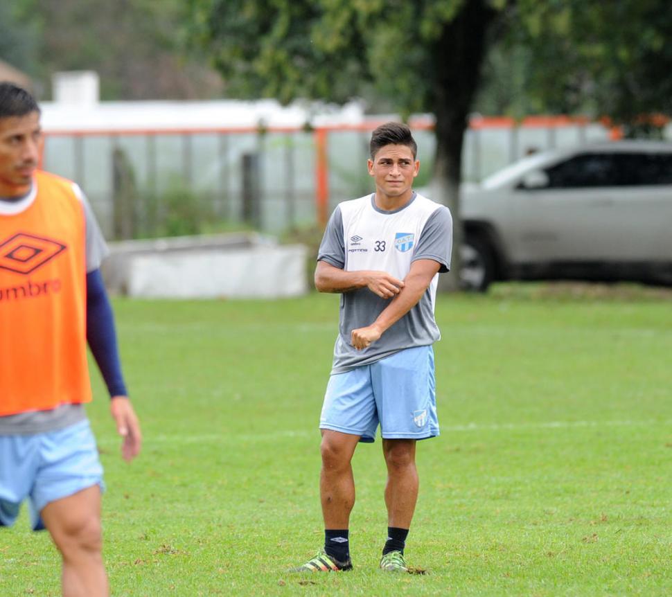 PARTIDO ESPECIAL. Romero, de 17 años, es el futbolista más joven de la delegación que visitará esta noche a Lanús. la gaceta /foto de héctor peralta