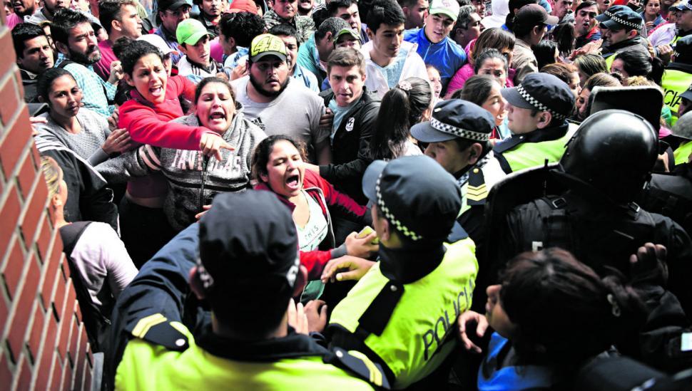 Una pelea política tiene en vilo a 800 municipales en Concepción