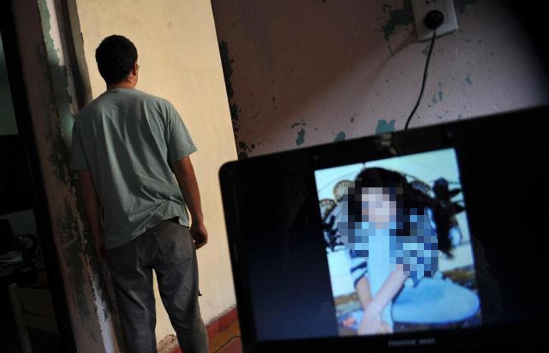 FALSOS PERFILES. Los acosadores virtuales se hacen pasar por adolescentes para entablar amistad con sus víctimas y las engañan para abusar de ellas.