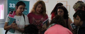 Mil kilómetros en combi: la travesía de los artistas tucumanos que participan de la Fiesta Nacional del Teatro