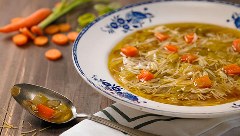 Cinco sopas caseras y sabrosas ideales para disfrutar en for Comida rapida y calentita