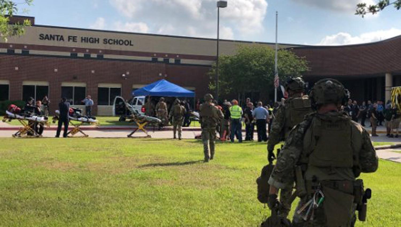 DOLOR. El tiroteo tuvo lugar en una escuela secundaria en el sur de Houston, Texas. (FOTO DE UNIVISIÓN)