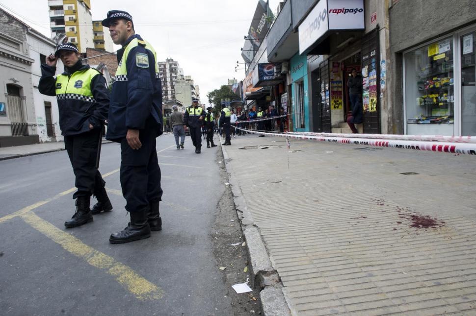 CONMOCIÓN. El homicidio de Matías Albornoz Piccinetti se produjo en pleno centro un viernes al mediodía.
