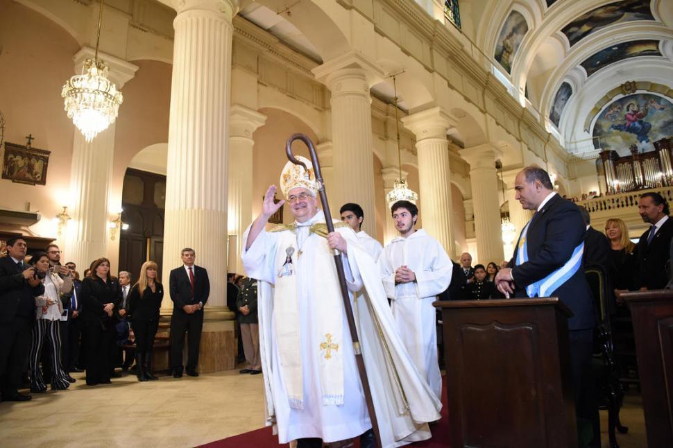 Seis de los nueve diputados tucumanos le dijeron que sí al pedido del Arzobispo Sánchez