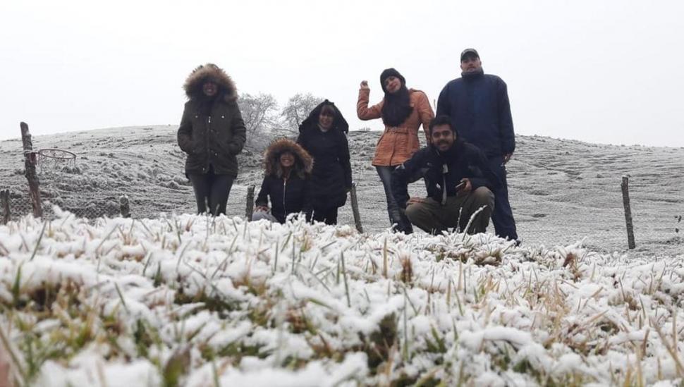Frío extremo en los Valles: ¿seguirá nevando en Tafí?
