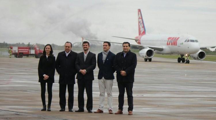 Se inauguró la nueva ruta aérea que une Tucumán con San Pablo