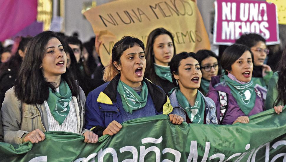 Masiva marcha en contra de la violencia sexual