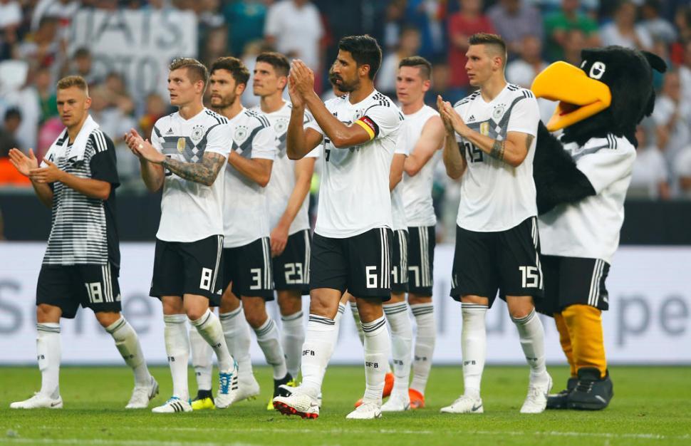 POR DEBAJO DE LO ESPERADO. Alemania se llevó un triunfo de valor relativo en su último amistoso, ante un rival muy inferior. La afición teutona espera mucho más. reuters
