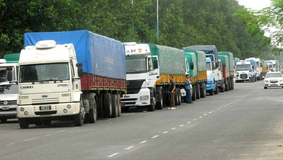Paro de camioneros en todo el país