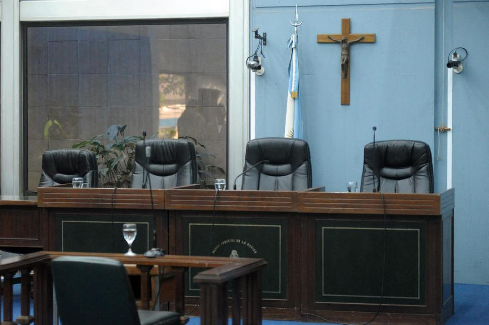 Un fallo judicial vuelve a dejar al descubierto la comercialización de droga en Villa Urquiza