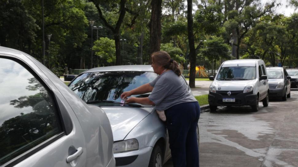 Proyectan legalizar el estacionamiento pago