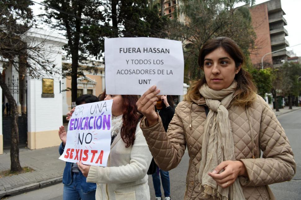 Acoso: suspenden nuevamente al docente Hassan, esta vez por 60 días más