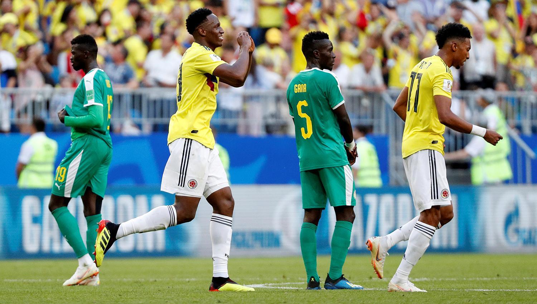 CLASIFICADOS. Mina anotó de cabeza y Colombia jugará octavos. (REUTERS)