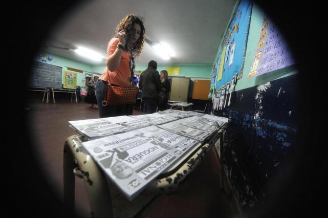 Una reforma electoral para descongestionar los cuartos oscuros sin ...