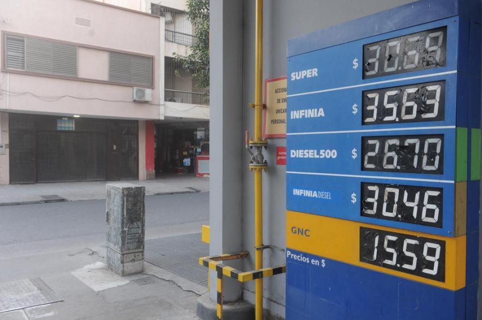 Nafta súper a $ 30,69 tras el aumento del 5%