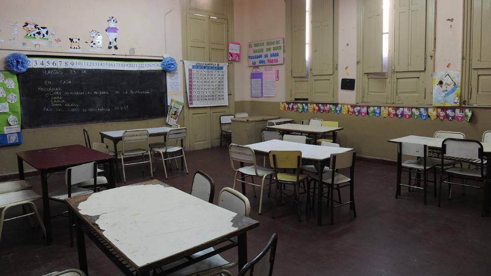 Sin clases: paran hoy los docentes de ATEP, AMET, APEM y Adiunt