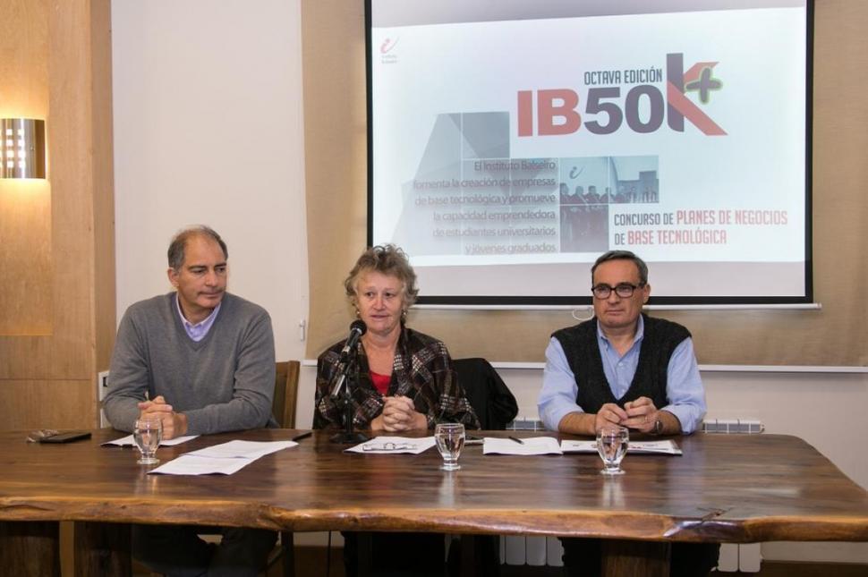 APERTURA. Martiarena y sus colegas presentan el proyecto en la Casa Rosada