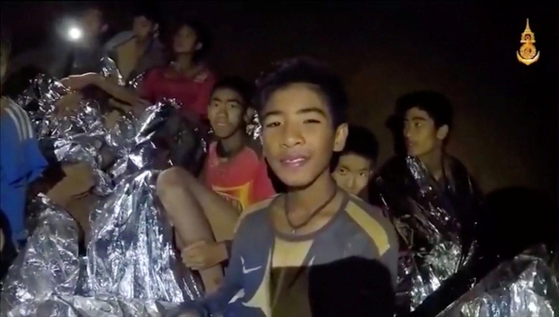 Resultado de imagen para Los niños atrapados en una gruta en Tailandia ya practican con máscaras bajo el agua