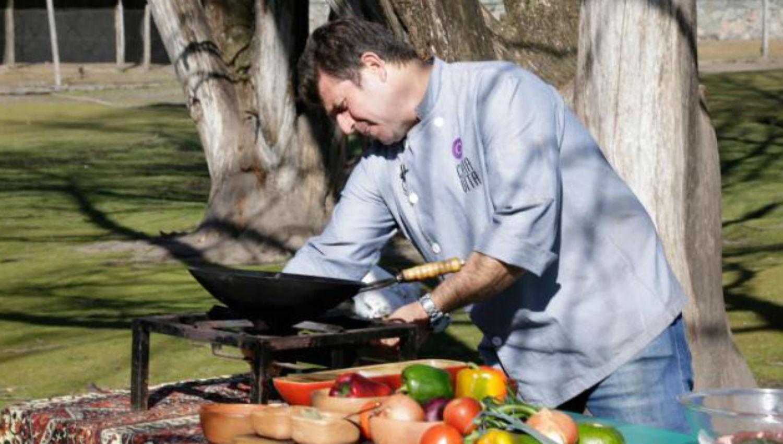 Hoy en cocinando con maxi carbonada de la independencia for Cocinando con sergio en la1