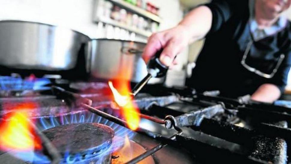 Pronostican nuevas subas de luz y gas hasta fin de año