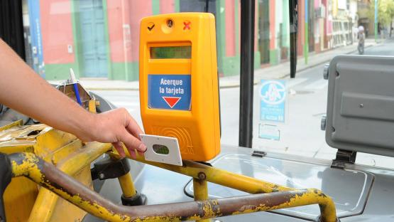 Subsidios altransporte: negocian un aporte al combustible