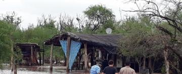 Varias localidades del sur de Tucumán están aisladas por el agua