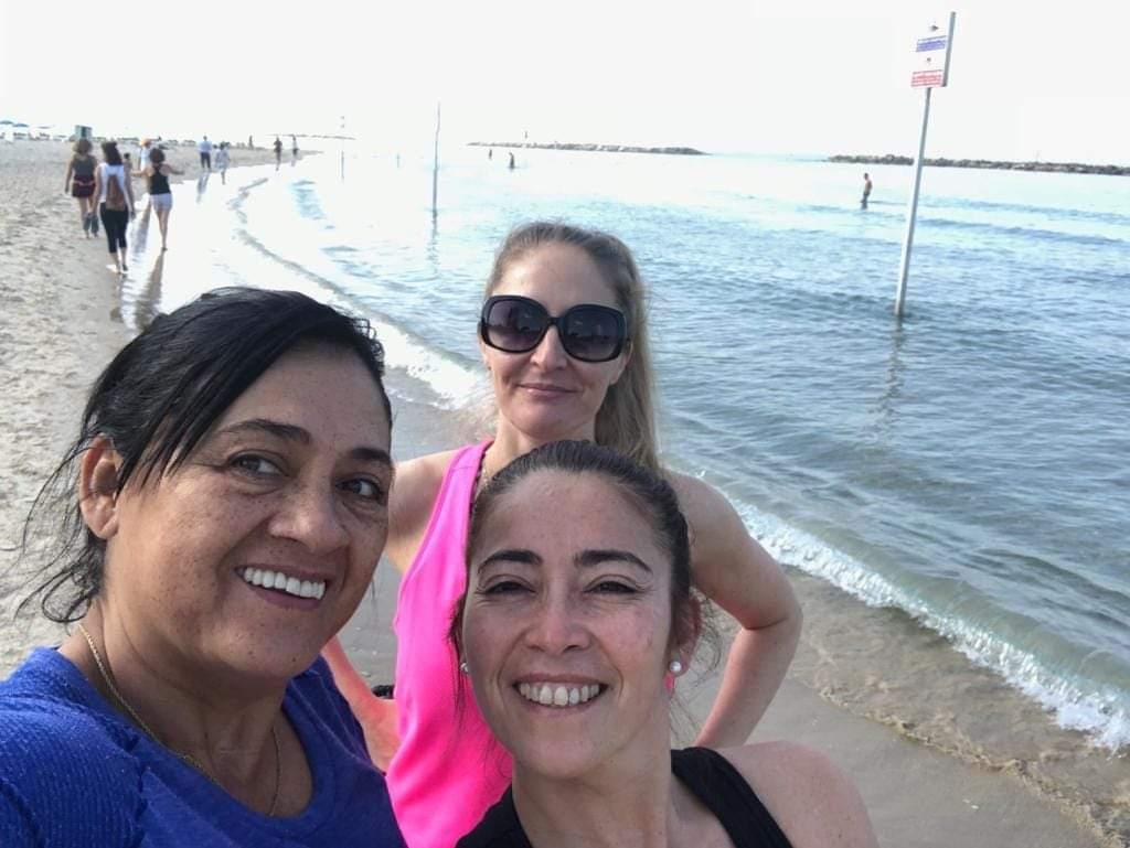 La primera selfie de la gira oficial, en las playas de Israel