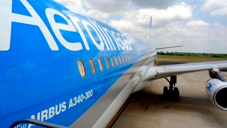 Ocho heridos en un vuelo de Aerolíneas Argentinas — Por turbulencias