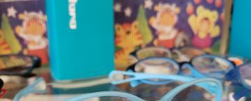 Las pantallas y la falta de sol: los principales motivos por los que los niños usan lentes