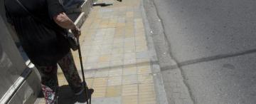 Veredas rotas: si el vecino no las arregla, la municipalidad las parcha