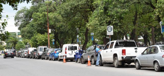 Resultado de imagen para estacionamientos de autos tucuman