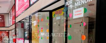 Galerías vacías y negocios cerrados: cada vez son más los locales que bajan sus persianas en Tucumán