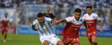 Atlético se cansó de despilfarrar goles y Argentinos festejó el empate