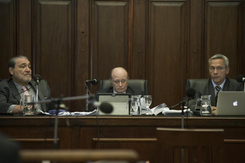 HORAS CLAVES. Los jueces Dante Ibáñez, Carlos Caramuti y Rafael Macoritto, además del fallo, darán a conocer si ordenarán nuevas investigaciones por el caso.