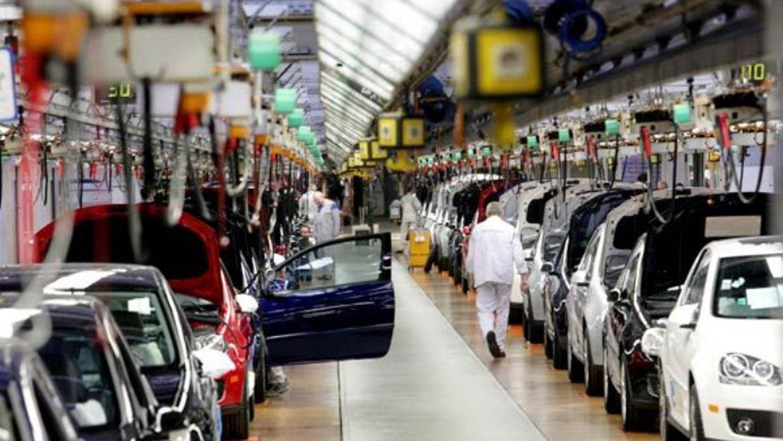 Se derrumbó el patentamiento de autos en febrero: 42,8%