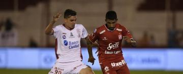 García fue la figura del duelo en Parque Patricios; jugó, hizo jugar y marcó un golazo